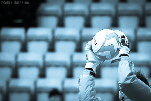 Fotball: Keeper i feltet © foto: Bernt-Erik Haaland / fotballbilder.no